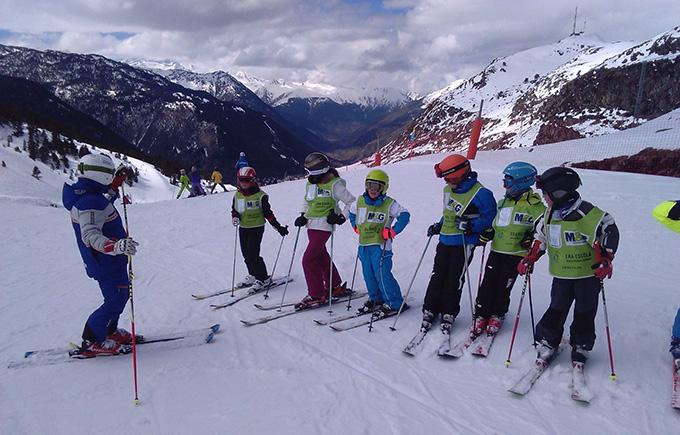 Offer ski lessons for Easter